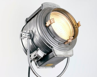Bardwell and McAlister - 1940's 2K Hollywood Movie light