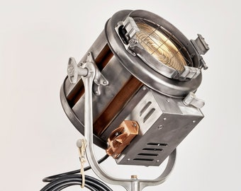 """1970's 412 Mole RichardsonJunior 2K Fresnel Tungsten Light, 10"""" Lens"""