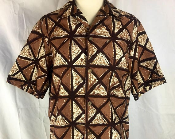 Vintage 1960's Men's Short Sleeve Brown Hawaiian Shirt by Alfred Shaheen Medium
