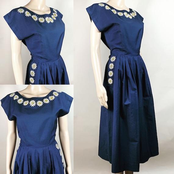 Vintage 1950s Navy Blue Daisy Dress w Pockets Med