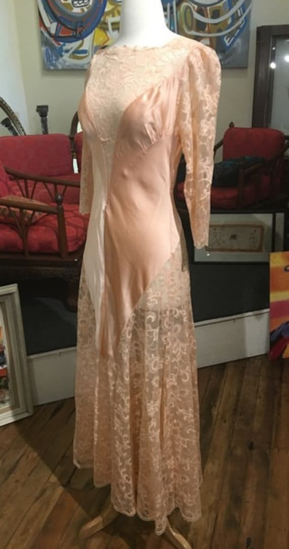 "Vintage 1970s Bob Mackie Peach Poly Satin Lace Dress Size Small Excellent Condition 30"" Waist"