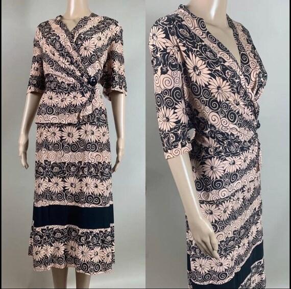 "Vintage 1940s Rayon Jersey Dress 40"" Waist"