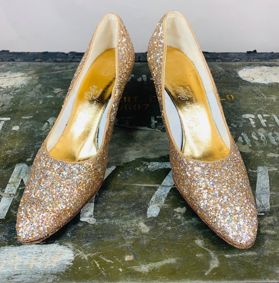 Vintage 1960s Gold Glitter Pumps by DeLiso. 9