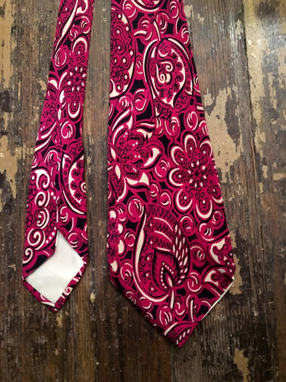 Vintage 1940s Magenta Silk Tie