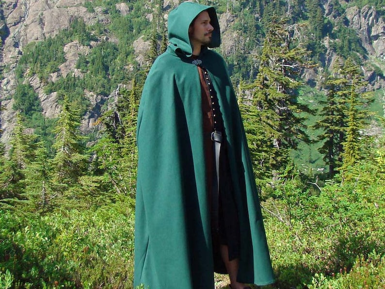 Classic Renaissance Heavy Wool Cloak or Cape with Fitted image 0