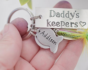 Fathers Day Key Chain Fishing Lure - Personalized Key Chain - Daddy's Keepers - Mens Gift - Fish Fishing Dad - Dad Gift - Fisherman Gift