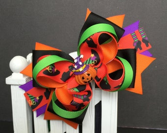 Halloween Cute bow for babies, toddlers and big girls ~ Bow measures approximately 5.5 inches