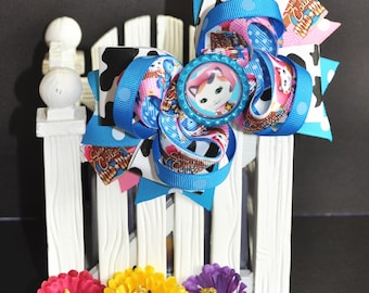 Cheriff Callie's Cute bow for babies, toddlers and big girls ~ Bow measures approximately 5.5 inches