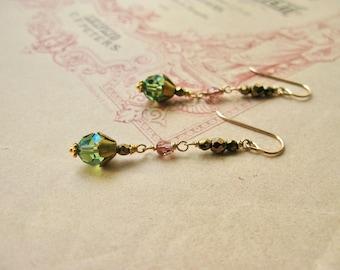 Meadow / Junius midi earrings in green