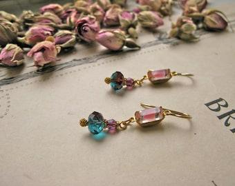 Mitzi Pompadour mini earrings
