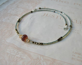 Meadow necklace in Buckthorn gold mix