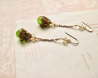 Meadow / Julia long earrings in olive