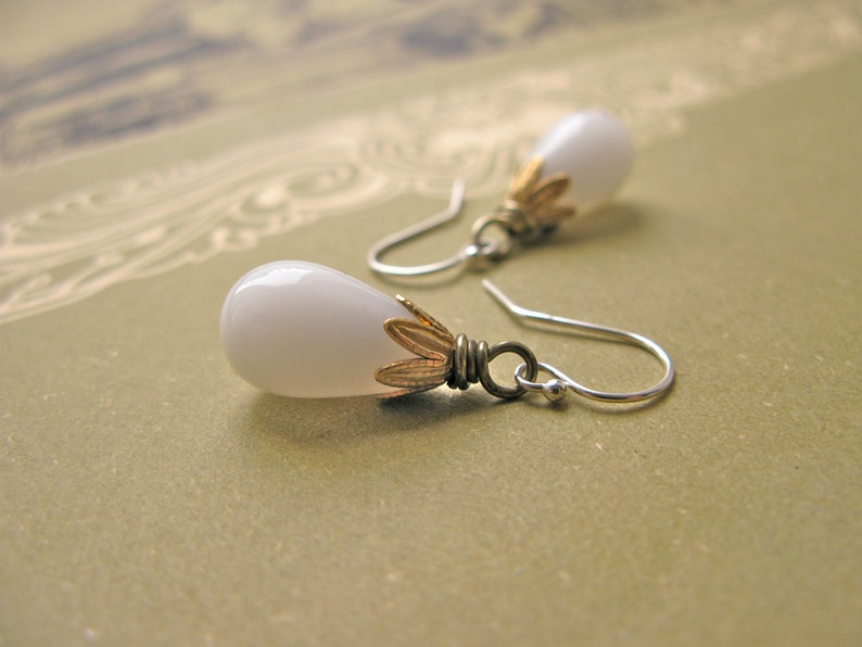 Paradise Garden white drop earrings image 0