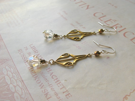 Emilienne earrings in moo...