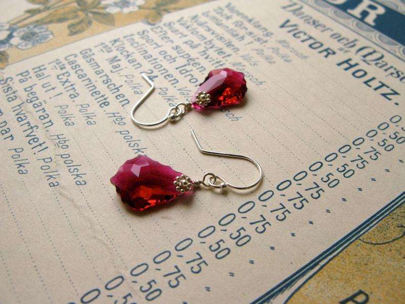 Baroque Nouveau short earrings in ruby image 0