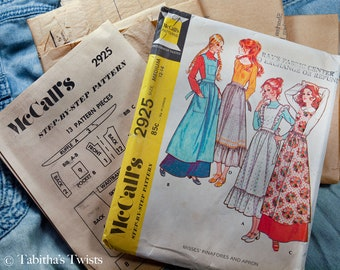 70's McCall's 7925 Misses Pinafores and Apron