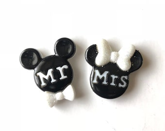 Mickey Groom Pin. Mickey Mr. Pin, Mickey Wedding Pin, Minnie Mickey Wedding Pins, Bouquet Pins, Boutonniere Pin, Disney Wedding, Badge