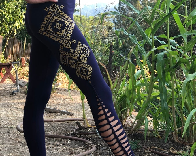 NOMAD Cut & Braid Cutty Leggings