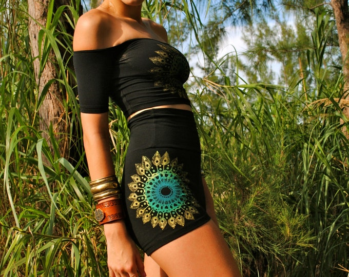Peacock Mandala HOT SHORT