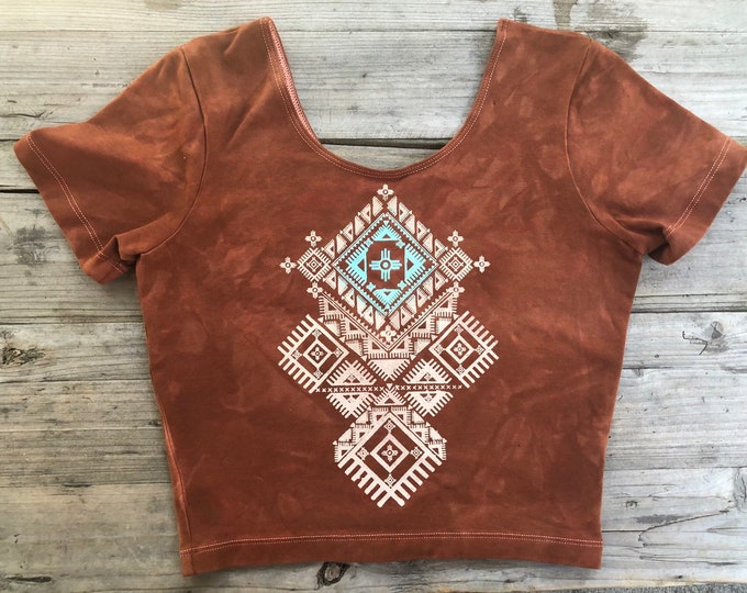 ZION Fitted Crop Tee