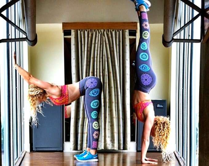 Dotwork CHAKRA FITNESS Yoga Leggings - Size LARGE