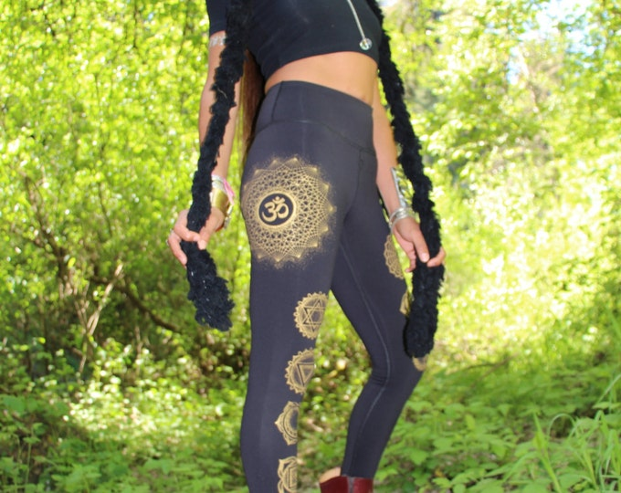 FITNESS OM Dotwork Chakra Yoga Leggings