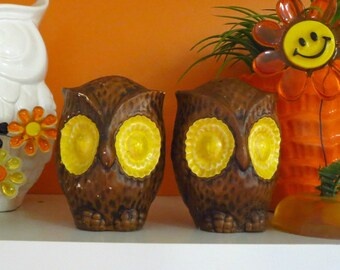 Vintage 1960s Retro Groovy Big Eye Owl Ceramic Brown and Yellow Salt Pepper Shakers