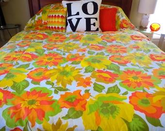 Vintage 1970s Retro MOD Groovy Orange Flower Power Sears Bedspread Blanket Bed Queen