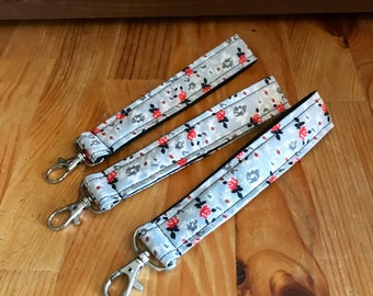 Floral key fobs, gray floral key chain