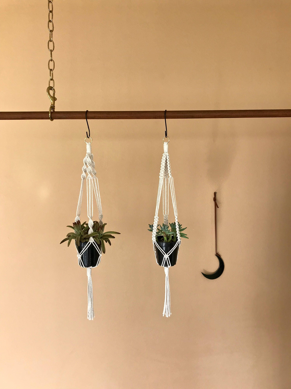 macram plante cintre corde de coton blanc naturel 25 etsy. Black Bedroom Furniture Sets. Home Design Ideas