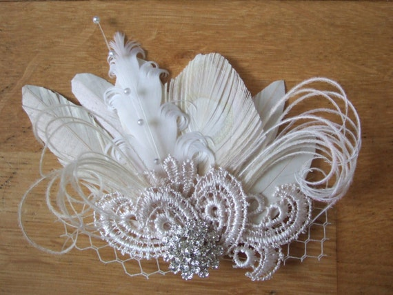 "Bridal Cream White Palest Beige Peacock Feathers Lace Veil /""Zia/"" Fascinator"