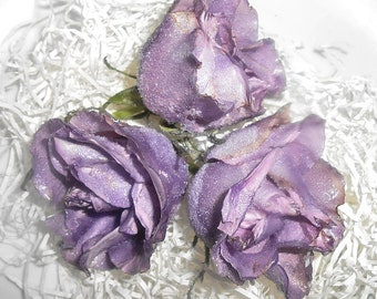 GOURMET REAL LAVENDER Edible Roses, Purple Shades, Crystallized, Longer Lasting, Edible, Weddings, Cupcake Toppers, Naked Cake Flowers
