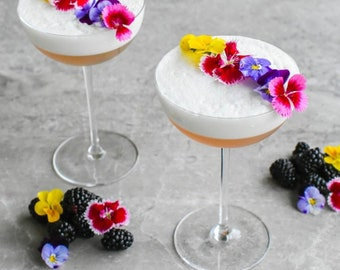 EDIBLE FRESH COCKTAIL 150 Flowers,  Garnishes, Floral Delight Cocktail, Recipe Included, Micro Dianthus, Violas