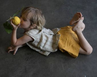 Linen yellow shorts with elastic waist for children / size 4 years.