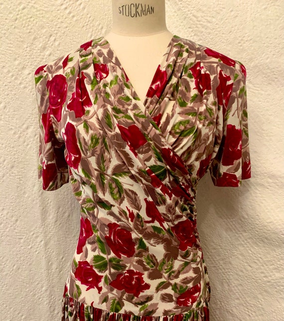 1940's Women's Rose Print Rayon Jersey Full Length
