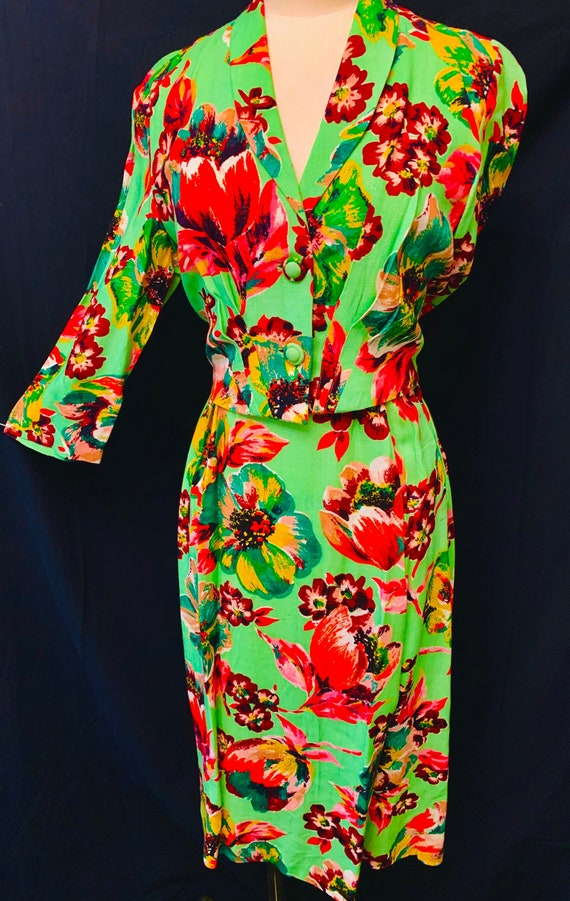 1940's Utility Double 11 Women's Floral  Moygashe… - image 1