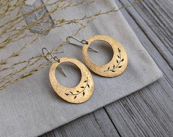 Gold Leaves - brass botanical earrings