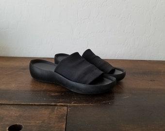 e655a5bd850a Vintage 90s black slides   90s steve madden slides   90s platform slides    vintage Prima Royale slide shoes   90s platform club kid shoes