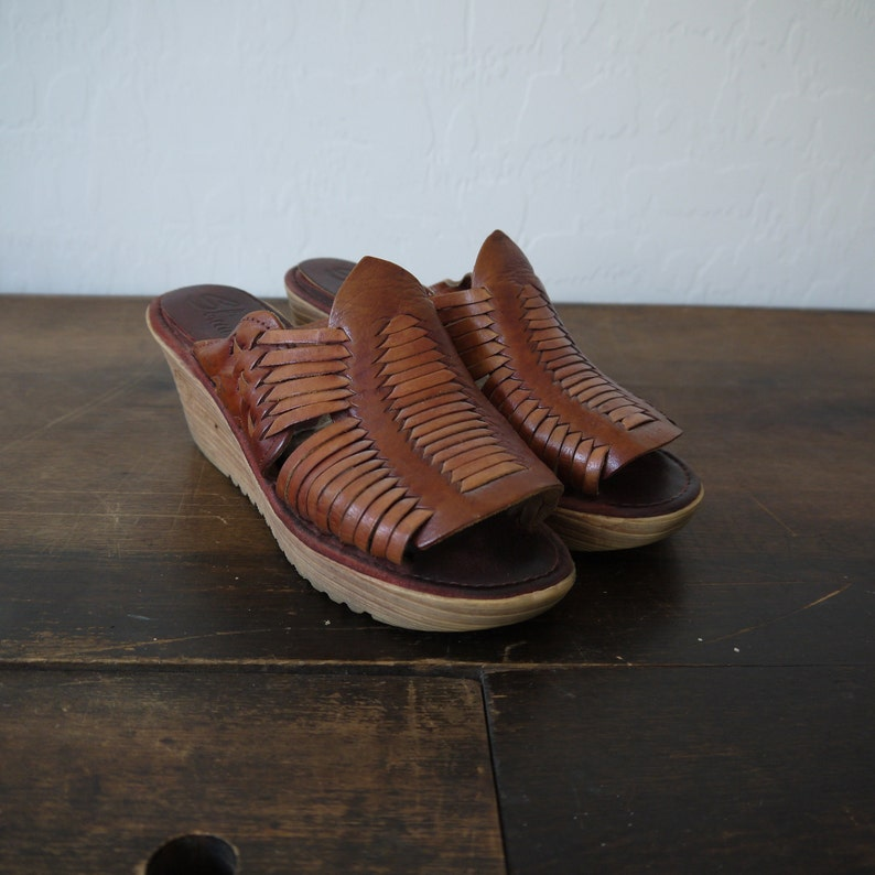 a440576e6d530d Vintage 70s Shoes   Stuff by Frank Sbicca brown leather woven