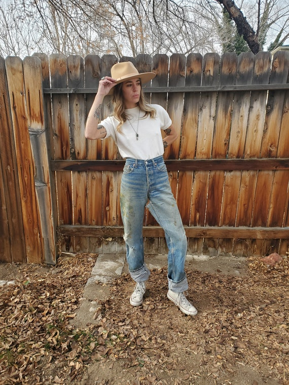 Vintage Levis 501xx thrashed painted soft jeans /