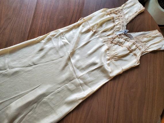 Vintage 30s 40s Ivory Satin Ecru Lace Bias Nightgo