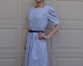 CHAMBRAY STRIPED DRESS 1980s 80s leslie fay S M
