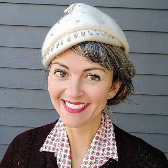 1940s IVORY TILT HAT rhinestones 40's