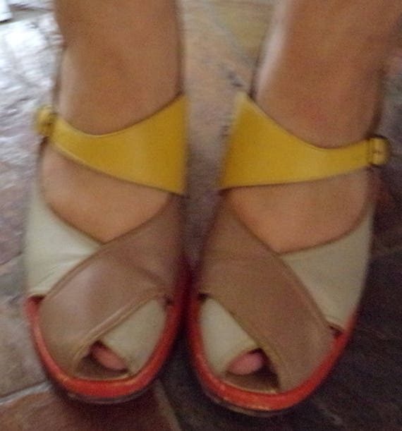 1940's PEEP TOE slingback WEDGE sandals colorblock