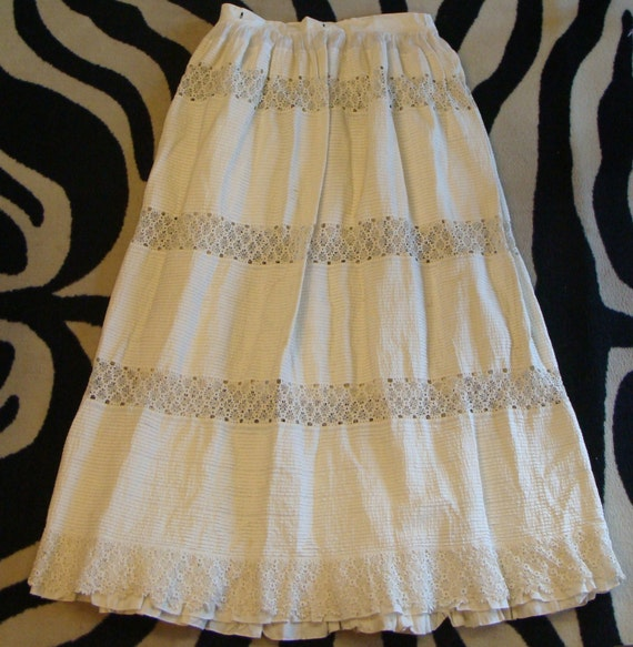 AMAZING PINTUCKED PETTICOAT skirt slip tatted lace