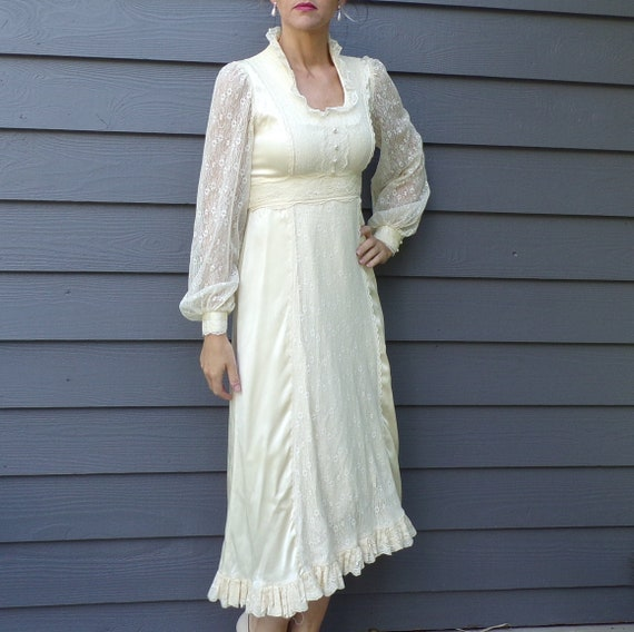 1970's GUNNE SAX DRESS 70's champagne satin maxi x