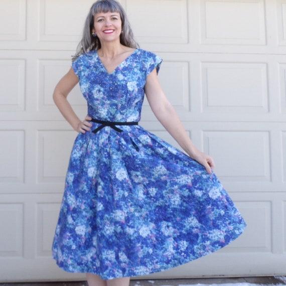 1950's BLUE FLORAL cotton DRESS full skirt 50's M