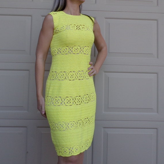 BRIGHT YELLOW CROCHET 1970's dress 70's knit S (G5