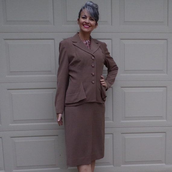 CAFE LATTE SUIT 1940's skirt set 40's tailored jac