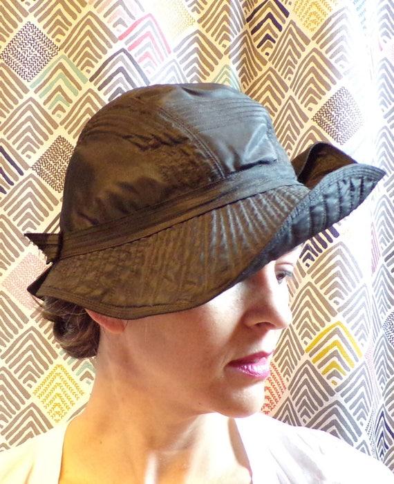 1920's TRAPUNTO STITCHED HAT cloche tilt hat 20's